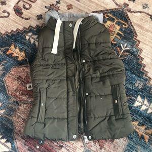 Love Tree hooded puffer vest